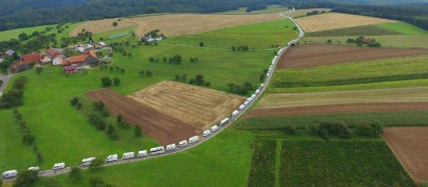 Weltrekordversuch: Der längste Wohnmobil Konvoi der Welt ...