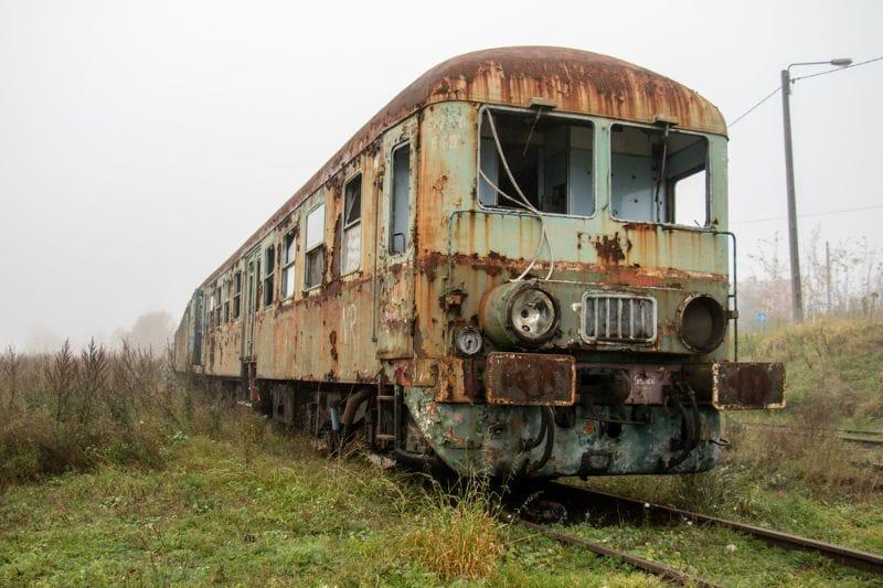 So etwas werden Sie nicht jeden Tag sehen, aber bisweilen stoßen Sie wirklich auf solche schönen Zugwracks.